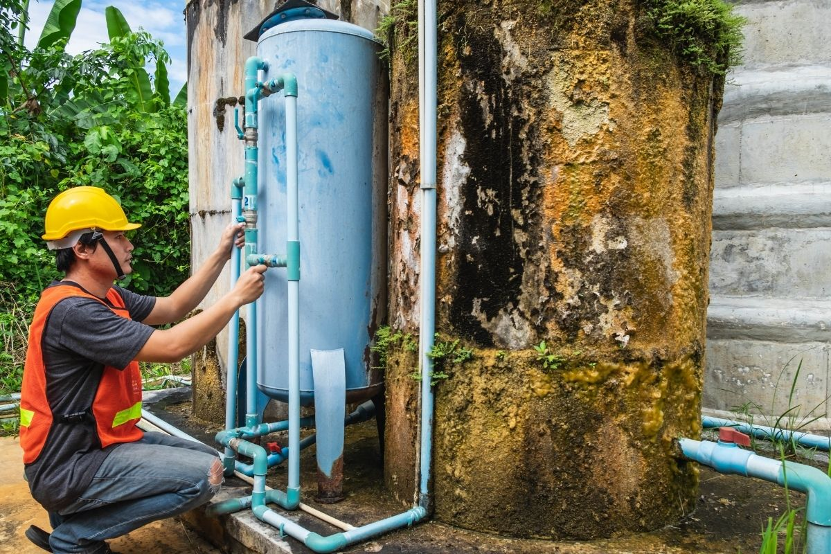 5 Reasons Why You Should Hire a Plumber to Install Your Water Filter